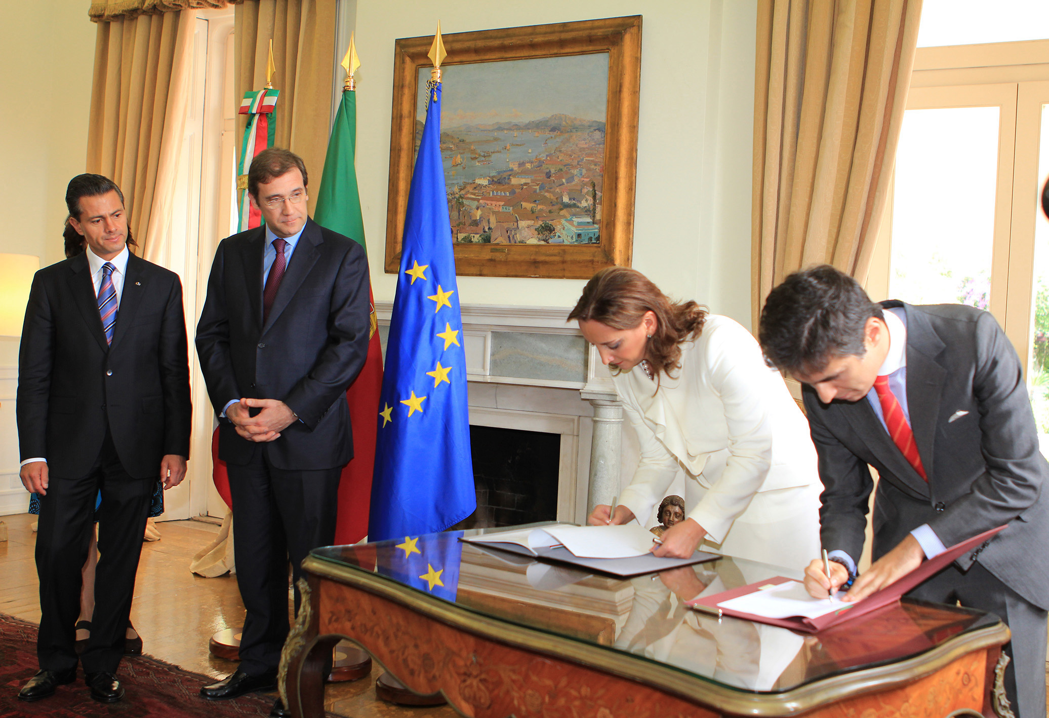 Claudia Ruiz Massieu firma Memorándum de Entendimiento de Cooperación en Materia Turística con Portugal.