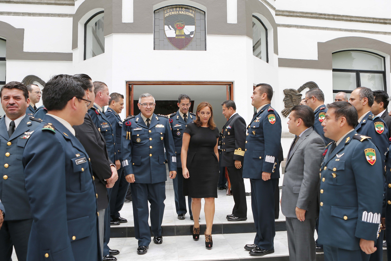 La Secretaria de Turismo, Claudia Ruiz Massieu, en el Colegio de Defensa Nacional.