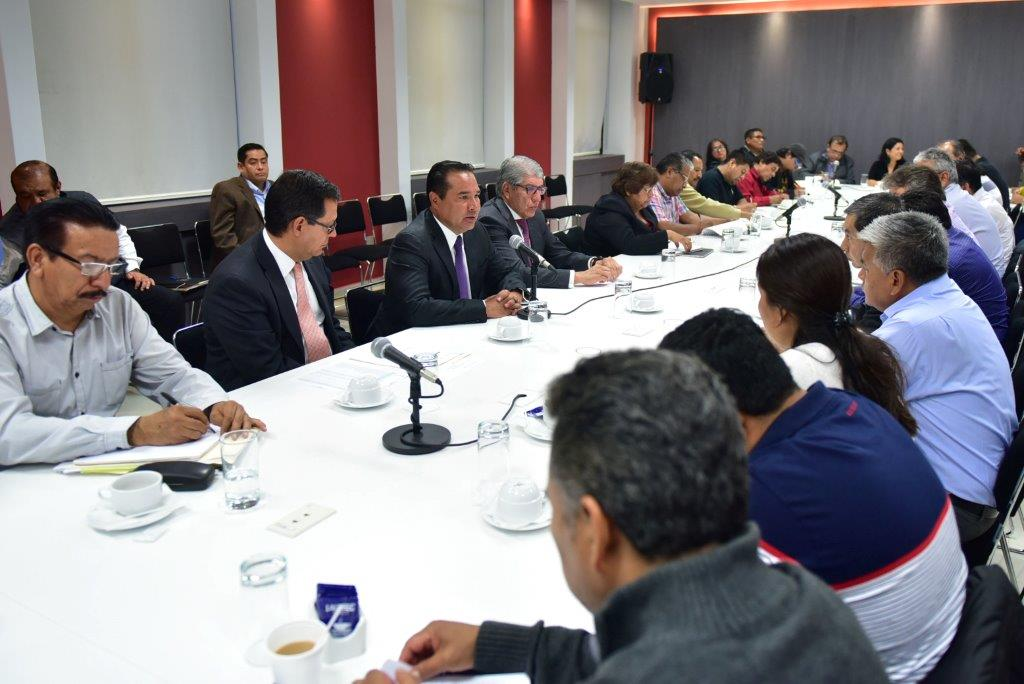 Los subsecretarios de Gobierno y Derechos Humanos, Luis Enrique Miranda Nava y Roberto Campa Cifrián, respectivamente, continuaron con el desarrollo de la Mesa Política que se lleva a cabo con dirigentes de SNTE-CNTE