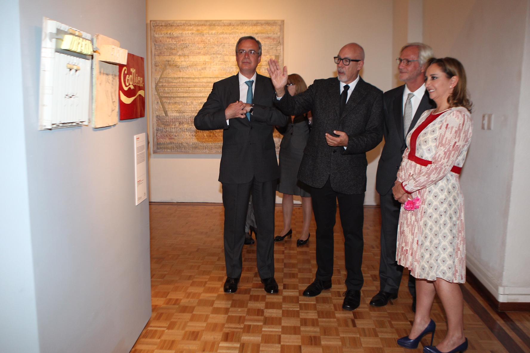 La Secretaria de Relaciones Exteriores (SRE) a través del Instituto Matías Romero y el Museo de la Cancillería presentan la exposición colectiva Afinidades/Discordancias, conformada por 55 renombrados artistas.