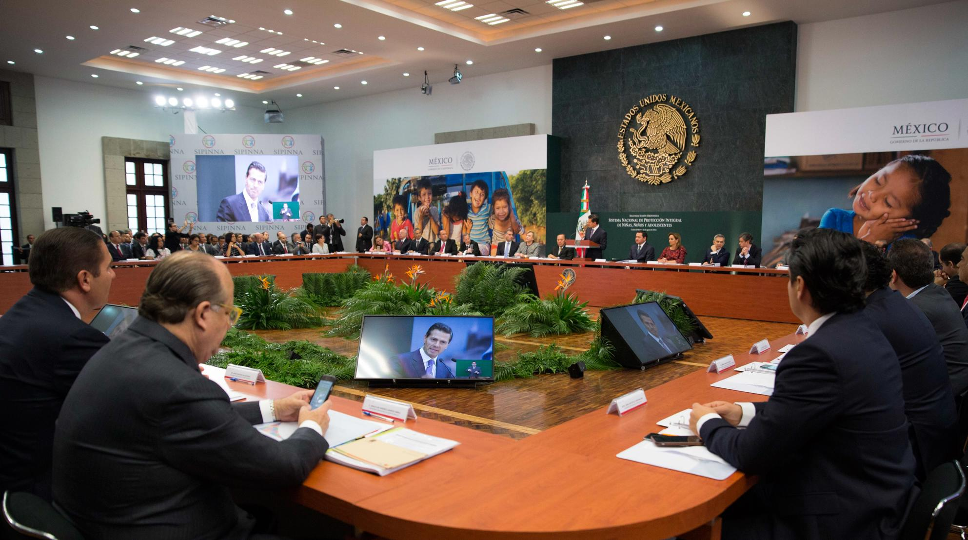 The president led the Second Ordinary Session of the National System for the Integral Protection of Children and Adolescents.