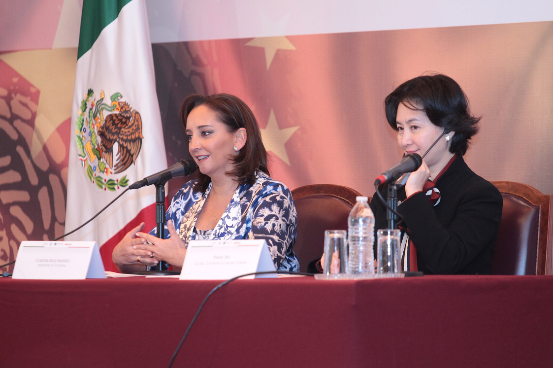 La Secretaria de Turismo, Claudia Ruiz Massieu, en reunión con Pansy Ho, vicepresidenta de la Cámara de Turismo de China y presidenta de MGM China Holdings Limited.
