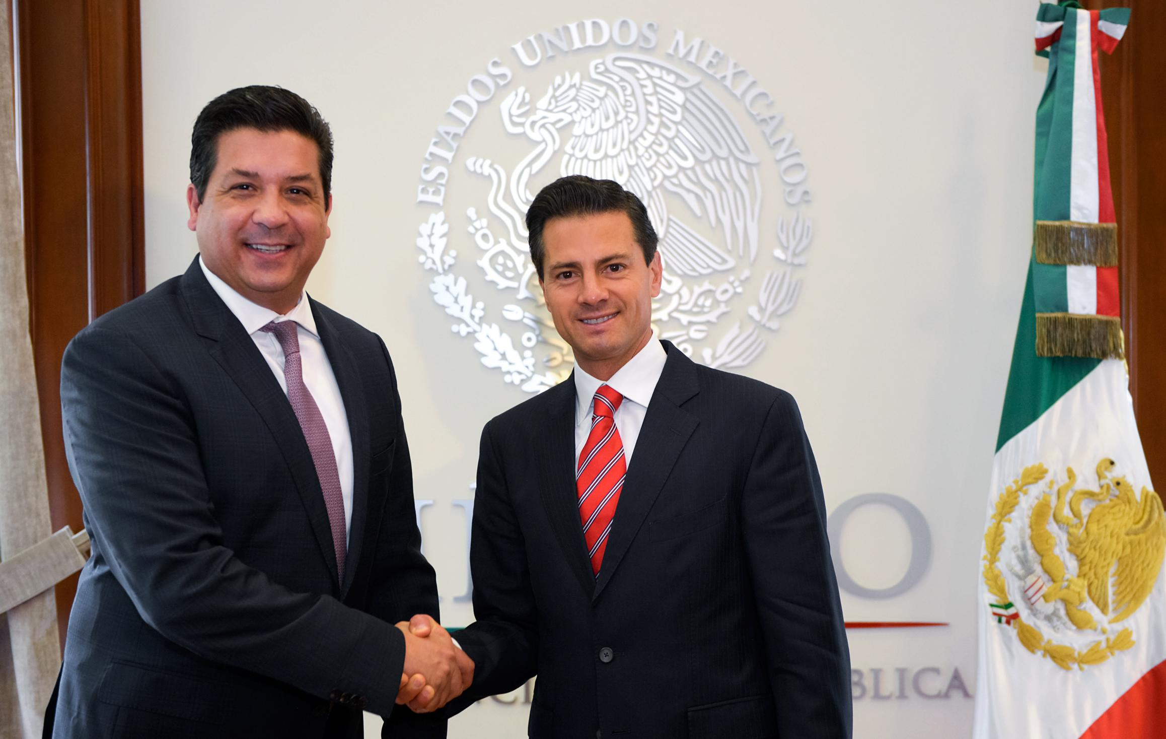 President Enrique Peña Nieto and Governor Elect of Tamaulipas Francisco Javier García Cabeza de Vaca discussed the current situation of the state.