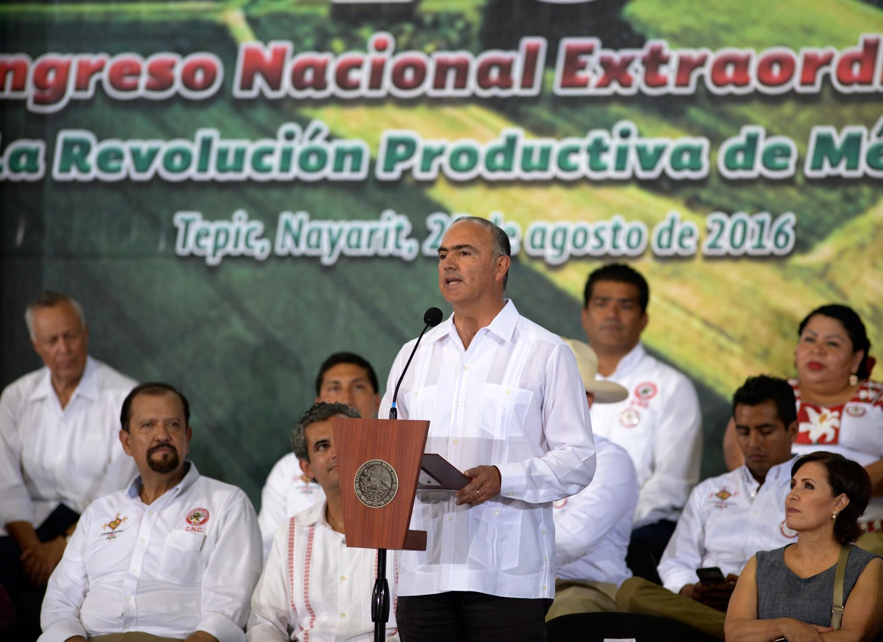 Maestro José Eduardo Calzada Rovirosa, Secretario de Agricultura, Ganadería, Desarrollo Rural, Pesca y Alimentación, y Responsable de la Región 5 del Programa de Atención a Entidades Federativas.