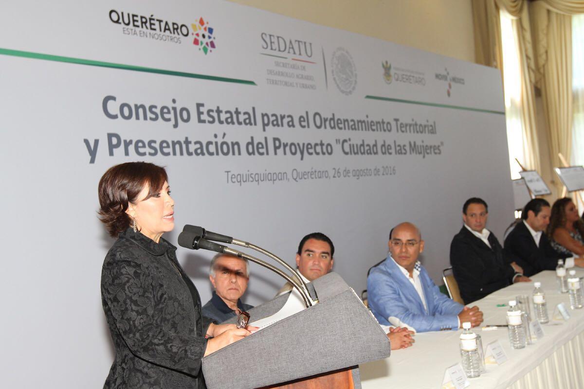 """Con inversión federal y estatal la SEDATU construirá """"Ciudad de las Mujeres"""" en Querétaro, anuncia Rosario Robles"""