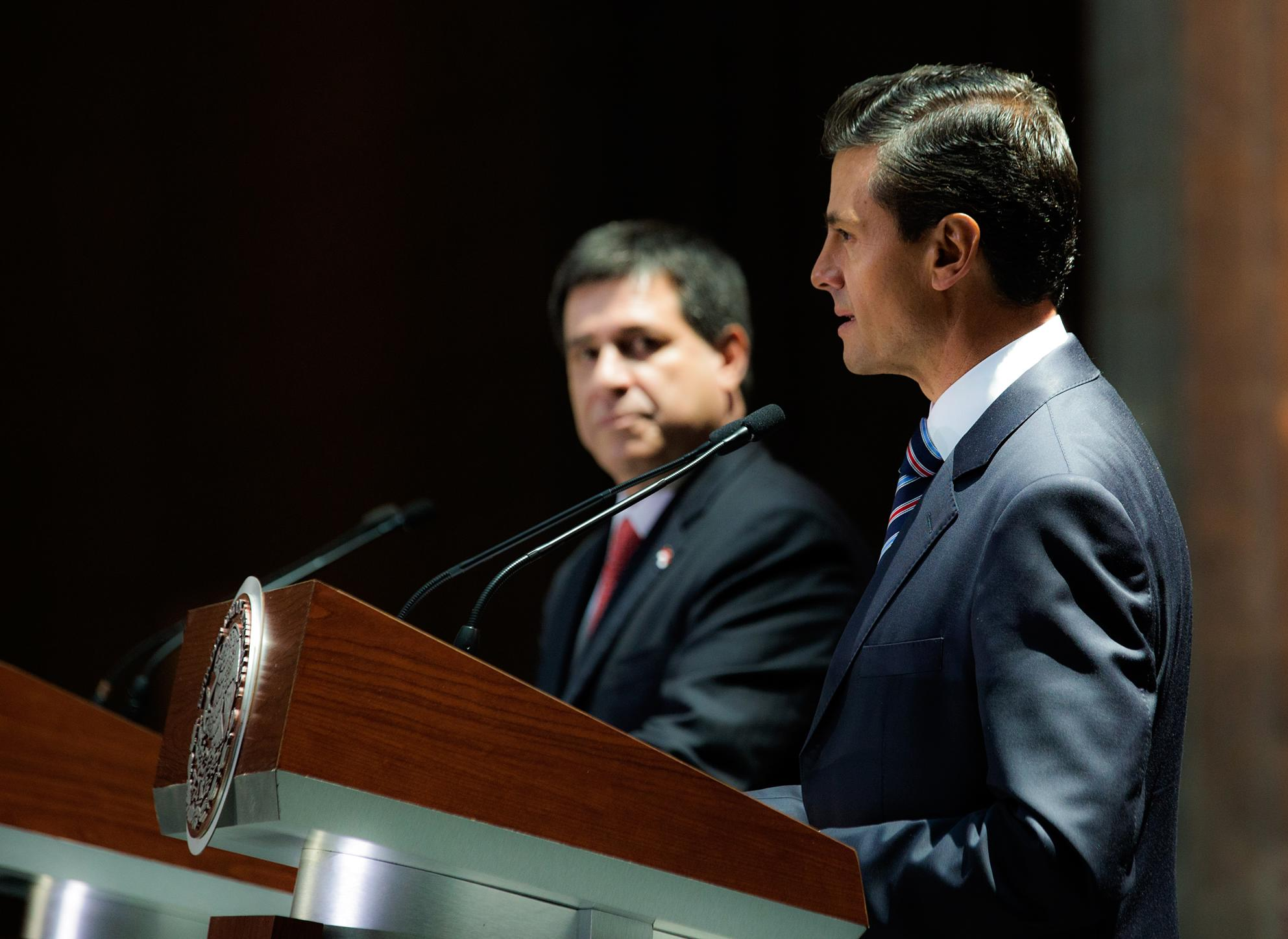 """""""Felicitamos al señor Presidente, por darle una renovada presencia a la República del Paraguay en el mundo y afianzar los lazos con México"""": EPN"""