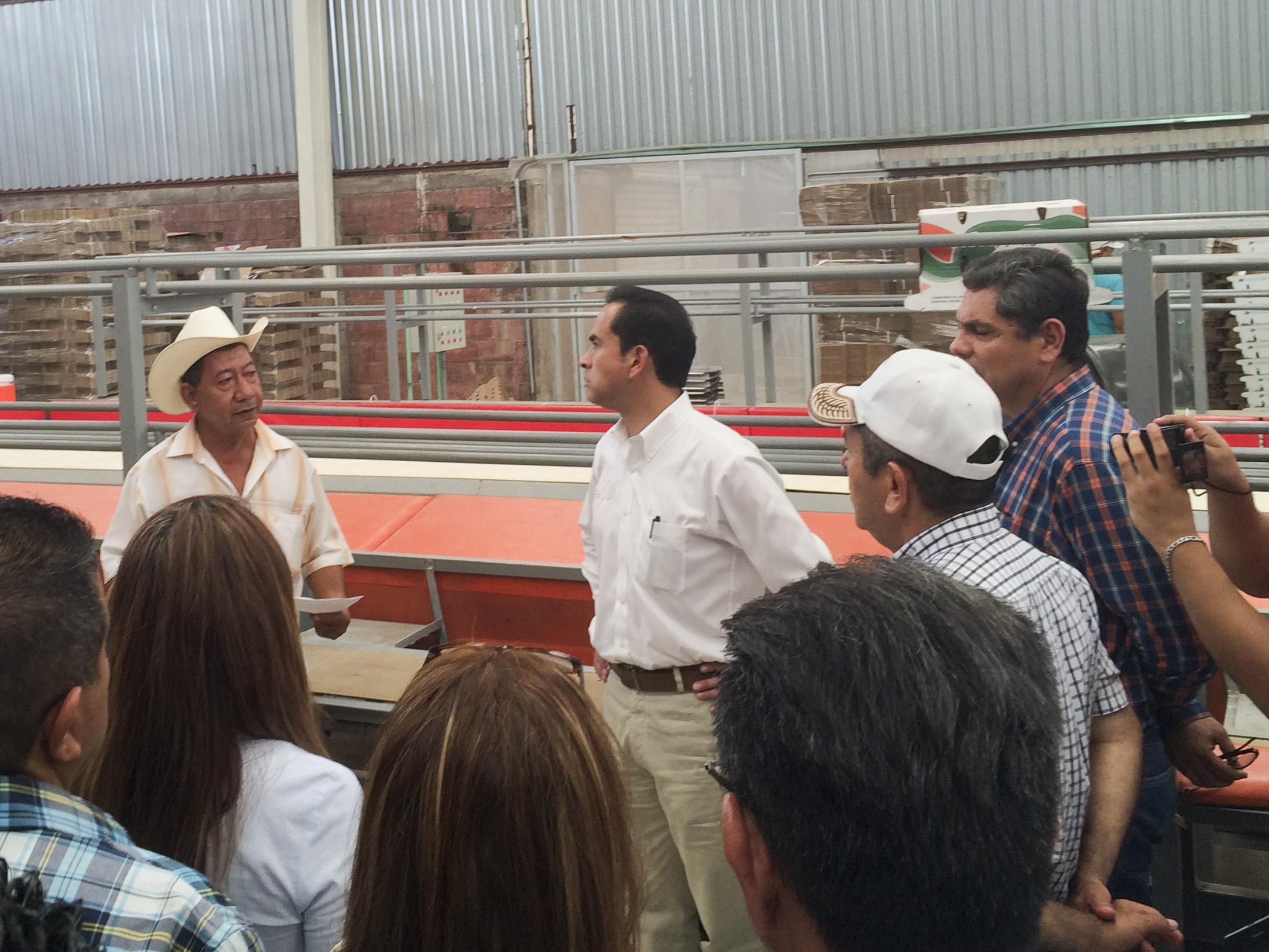 La SAGARPA, por instrucciones de su titular, José Calzada Rovirosa,  fortalece acciones a favor de la infraestructura productiva.