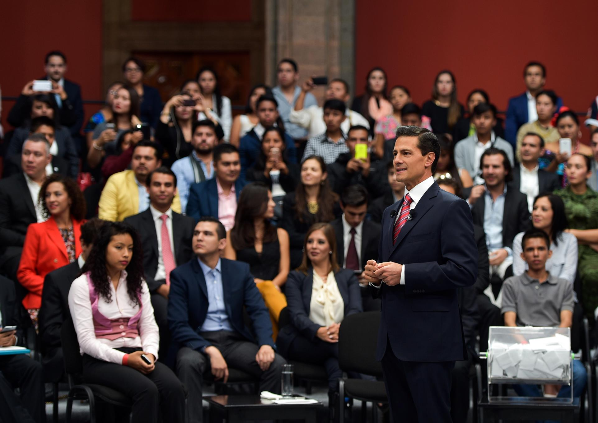 En materia de seguridad, el Presidente Peña Nieto resaltó los trabajos de prevención del delito y el uso de tecnología en contra del crimen organizado.