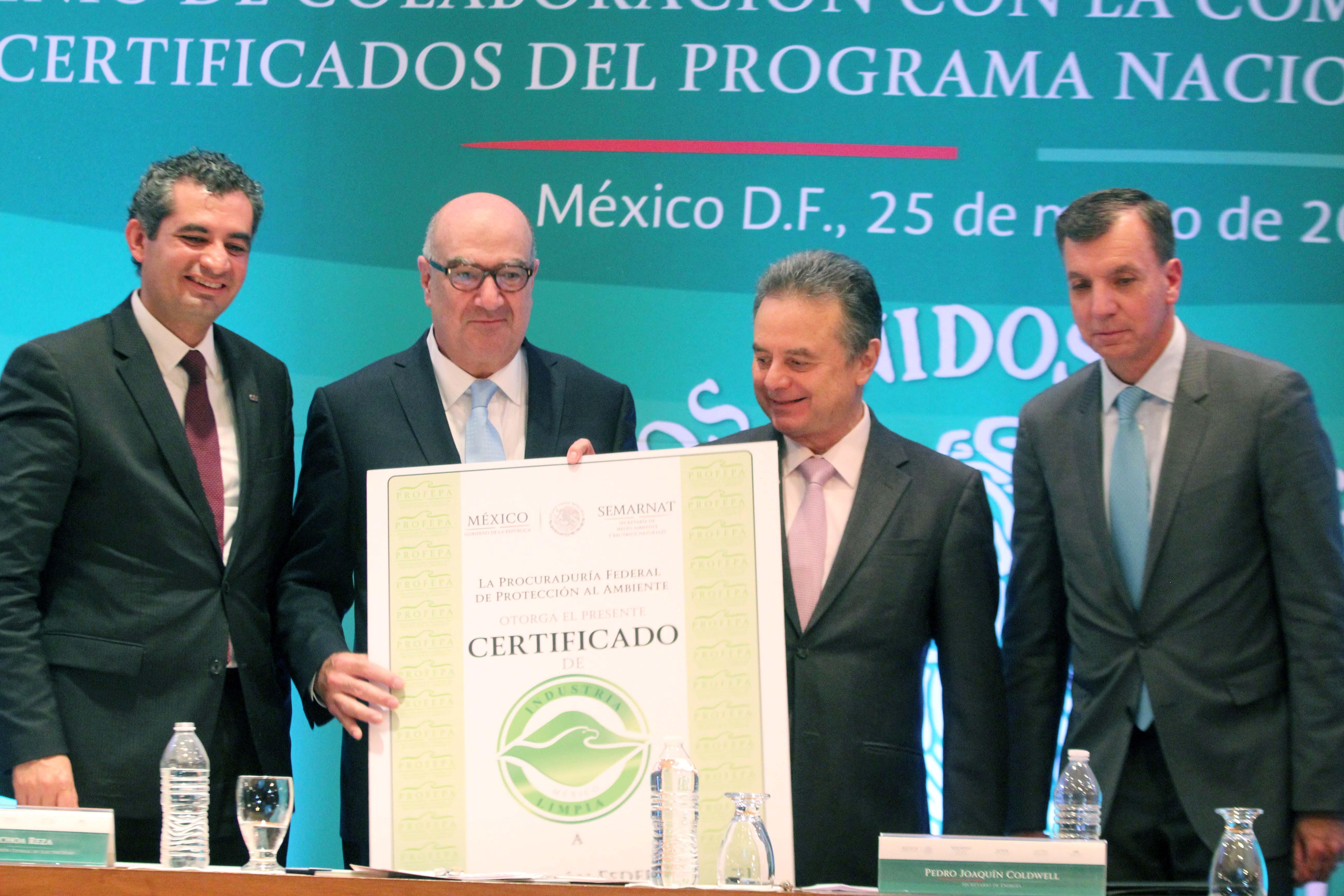 Firma de Convenio de Colaboración ambiental CFE y Profepa.