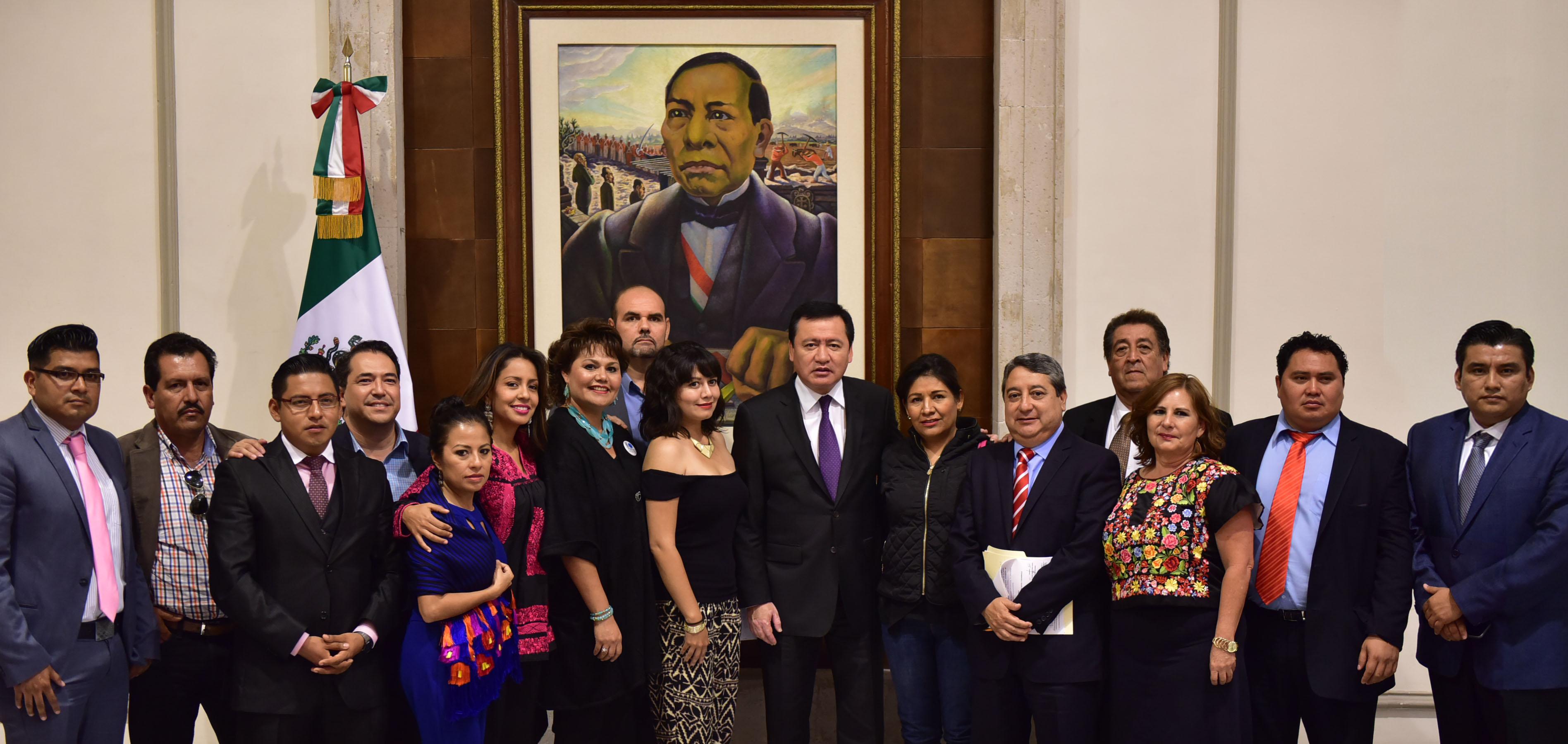 El Secretario de Gobernación, Miguel Ángel Osorio Chong, se reunió con empresarios y representantes de la sociedad civil del estado de Oaxaca.