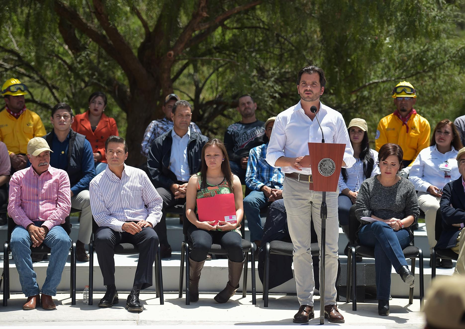 """""""Para poder cumplir con los compromisos que definió el Presidente de la República en materia ambiental de recuperación de áreas verdes, se están invirtiendo 600 millones de pesos"""",  ingeniero Rafael Pacchiano Alamán."""