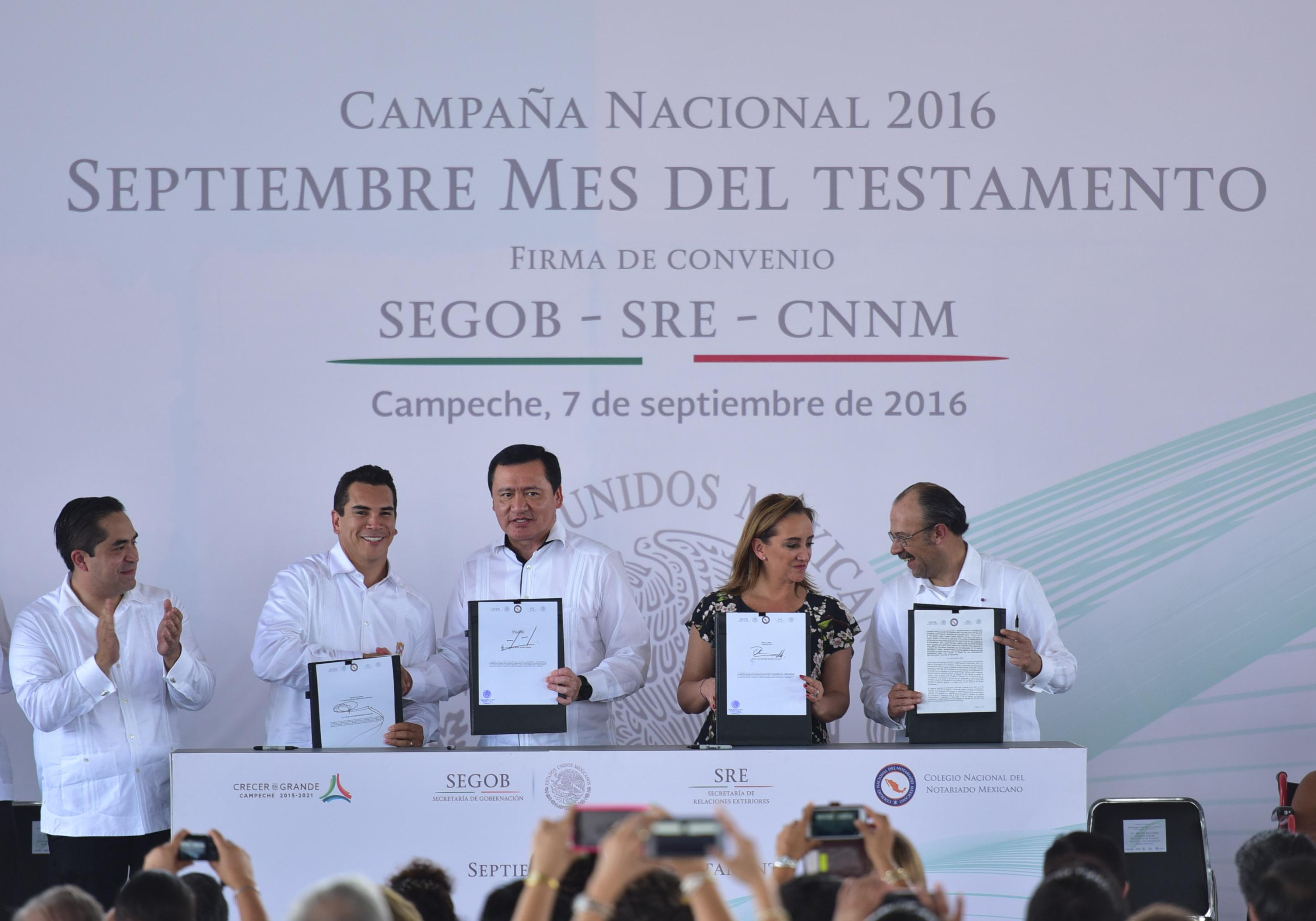 El Secretario de Gobernación, Miguel Ángel Osorio Chong, puso en marcha la Campaña Nacional 2016 Septiembre Mes del Testamento en el estado de Campeche.
