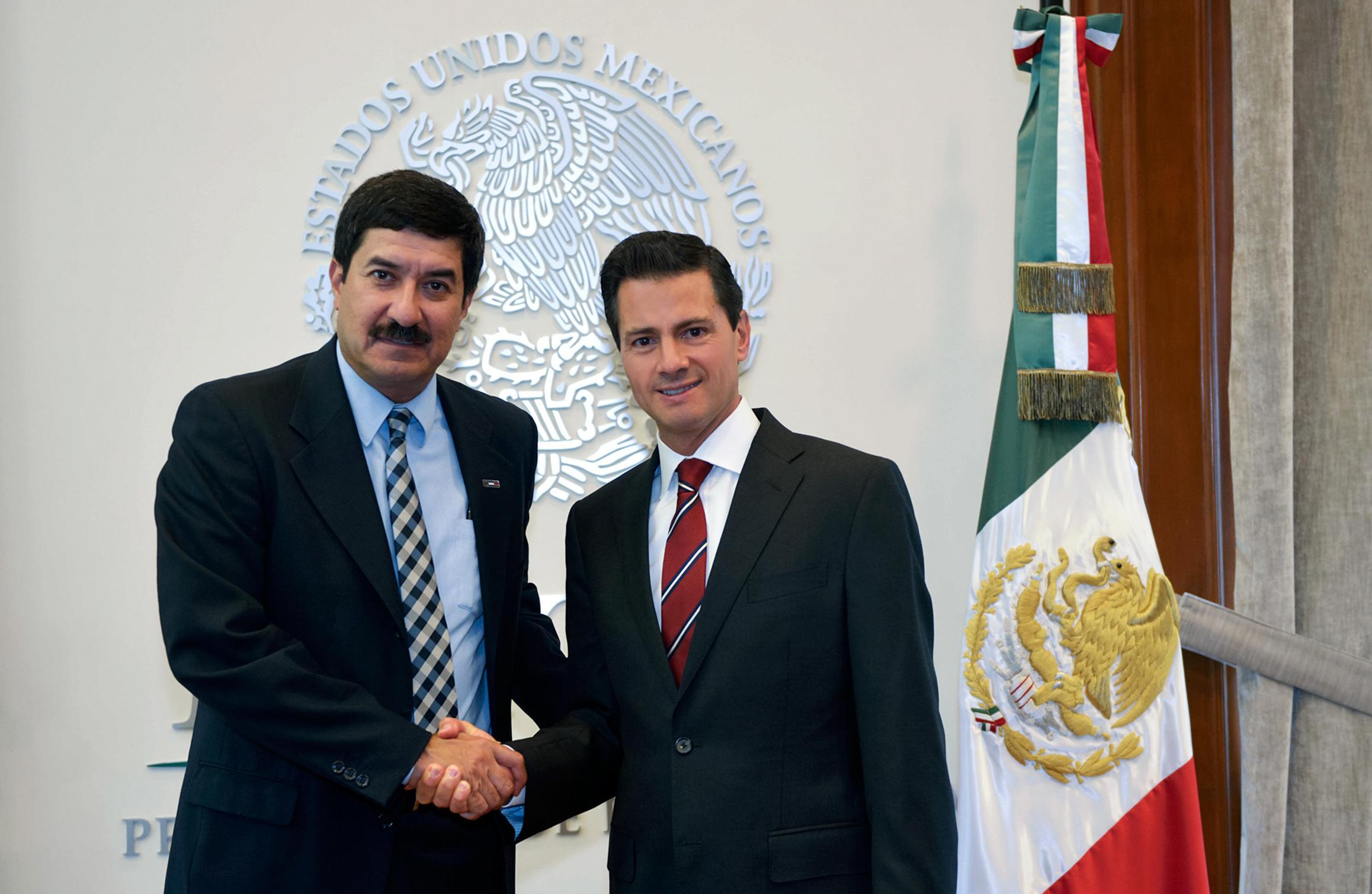 Javier Corral agradeció al Presidente Peña Nieto la disposición del Gobierno de la República por acompañar los esfuerzos que emprenderá con el objetivo de alcanzar un mayor desarrollo en Chihuahua.