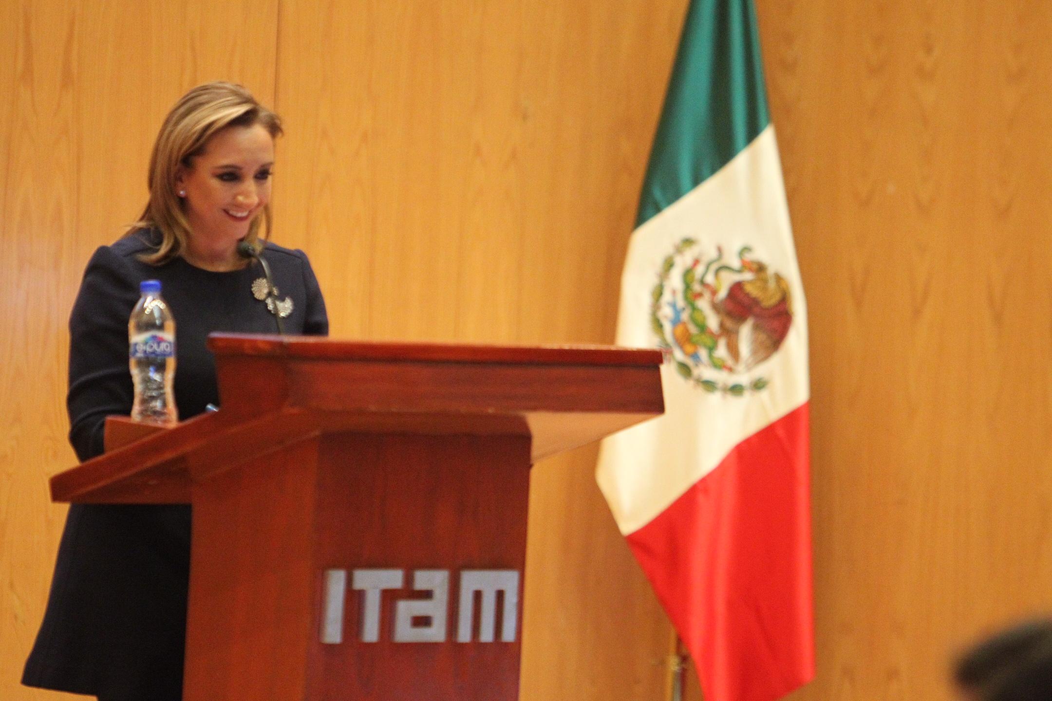 Ofrece la Canciller Conferencia Magistral sobre los principios y objetivos de la política exterior de nuestro país