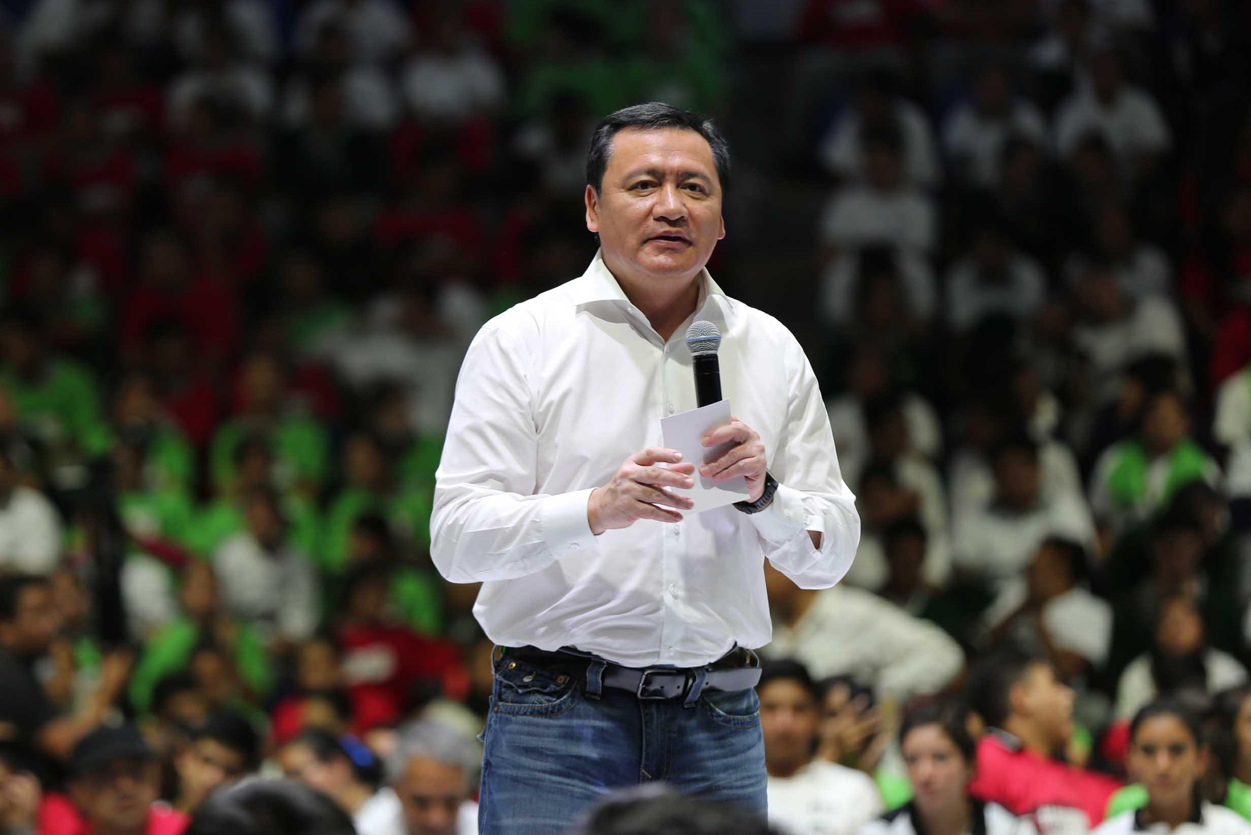 """El Secretario de Gobernación, Miguel Ángel Osorio Chong, puso en marcha la campaña """"Juventud Sana #PrevenirEstáChido"""" en San Luis Potosí."""