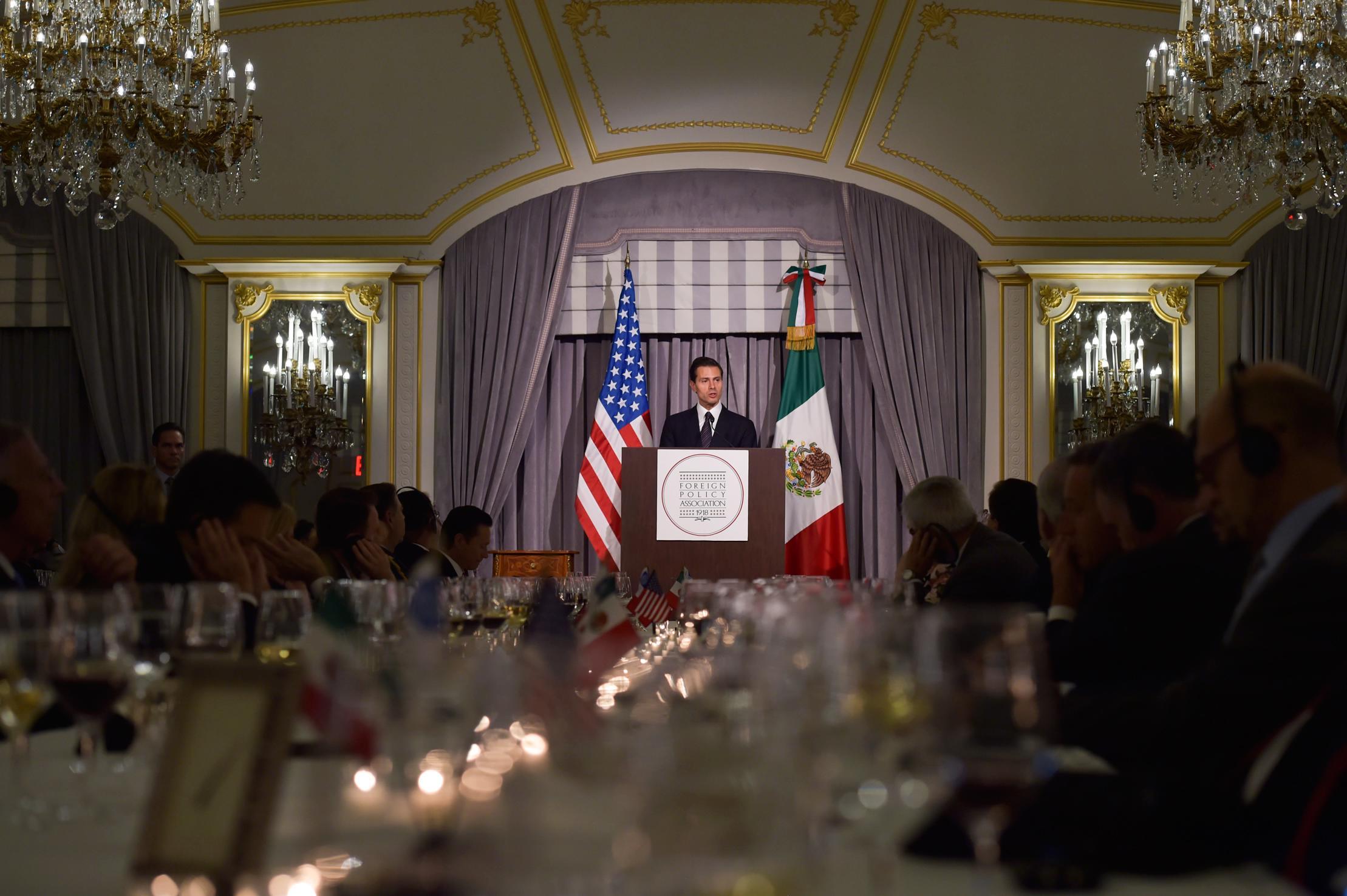 """""""Reconozco al Presidente Obama su liderazgo y convicción, para crear un clima de respeto, entendimiento y confianza mutua entre ambos países"""": EPN"""