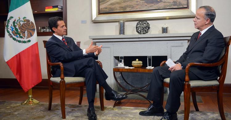 El Primer Mandatario durante la entrevista concedida a Ciro Gómez Leyva, en Los Pinos.