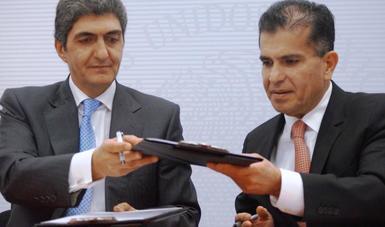 Firma de convenio entre el SAE y Profeco