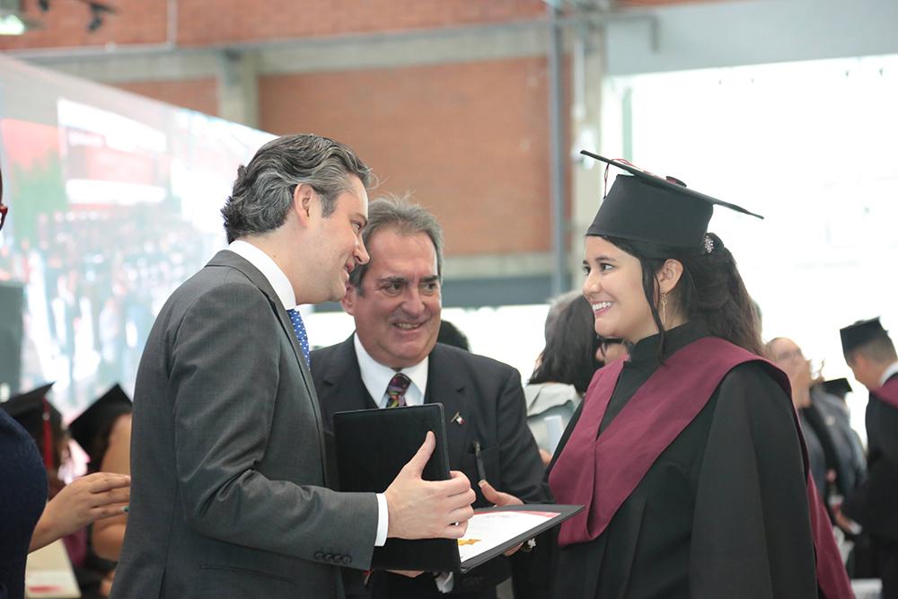 El secretario Aurelio Nuño Mayer asistió a graduación de la primera generación de la Universidad Tecnológica bilingüe El Retoño