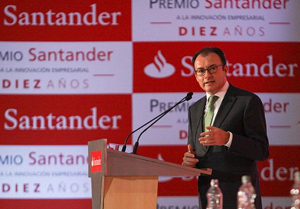 El Secretario de Hacienda y Crédito Público en la entrega del X Premio Santander a la Innovación Empresarial