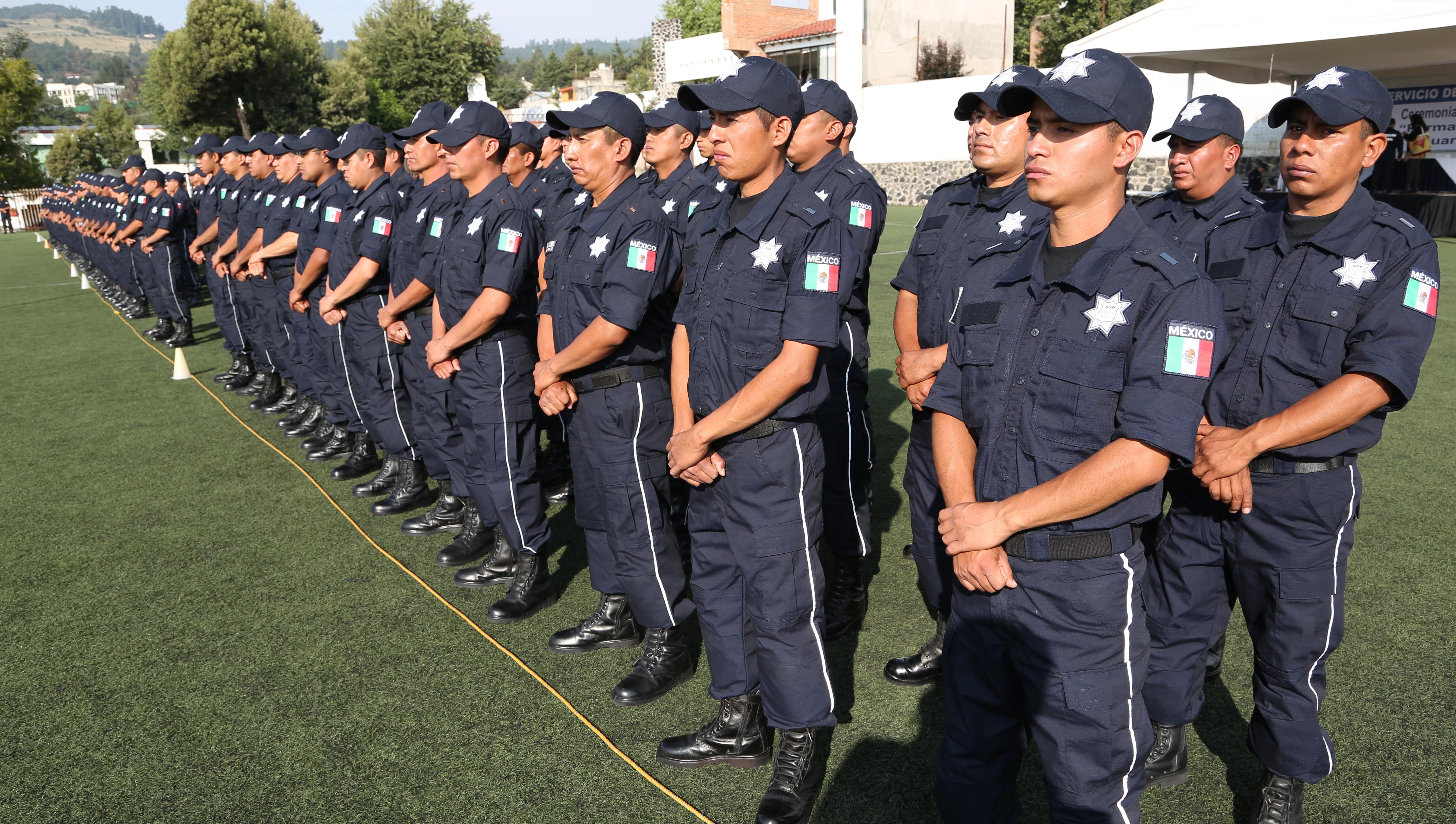 El Ingeniero Alfonso Ramón Bagur agradeció la entrega, disciplina y compromiso que demostraron los elementos durante el curso de formación inicial, lo cual los distingue como parte del Servicio de Protección Federal