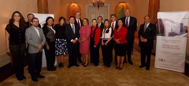 El subsecretario de Desarrollo Social, Ernesto Nemer, visitó Los Ángeles, California, donde se reunió con más de 150 integrantes de federaciones y clubes de migrantes.