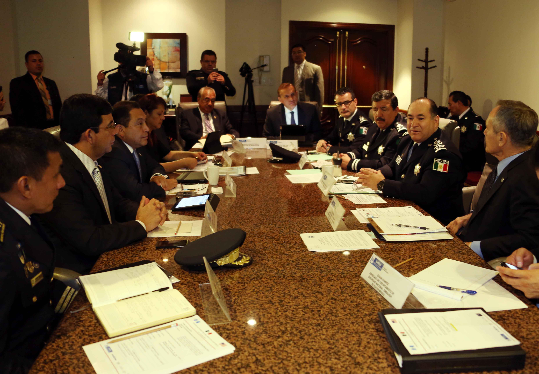 En seguimiento a la reunión del Comisionado Nacional de Seguridad con autoridades fronterizas de Estados Unidos,  el Comisario General de la Policía Federal, Mtro. Enrique Galindo Ceballos, se reunió con autoridades estadounidenses y de Guatemala