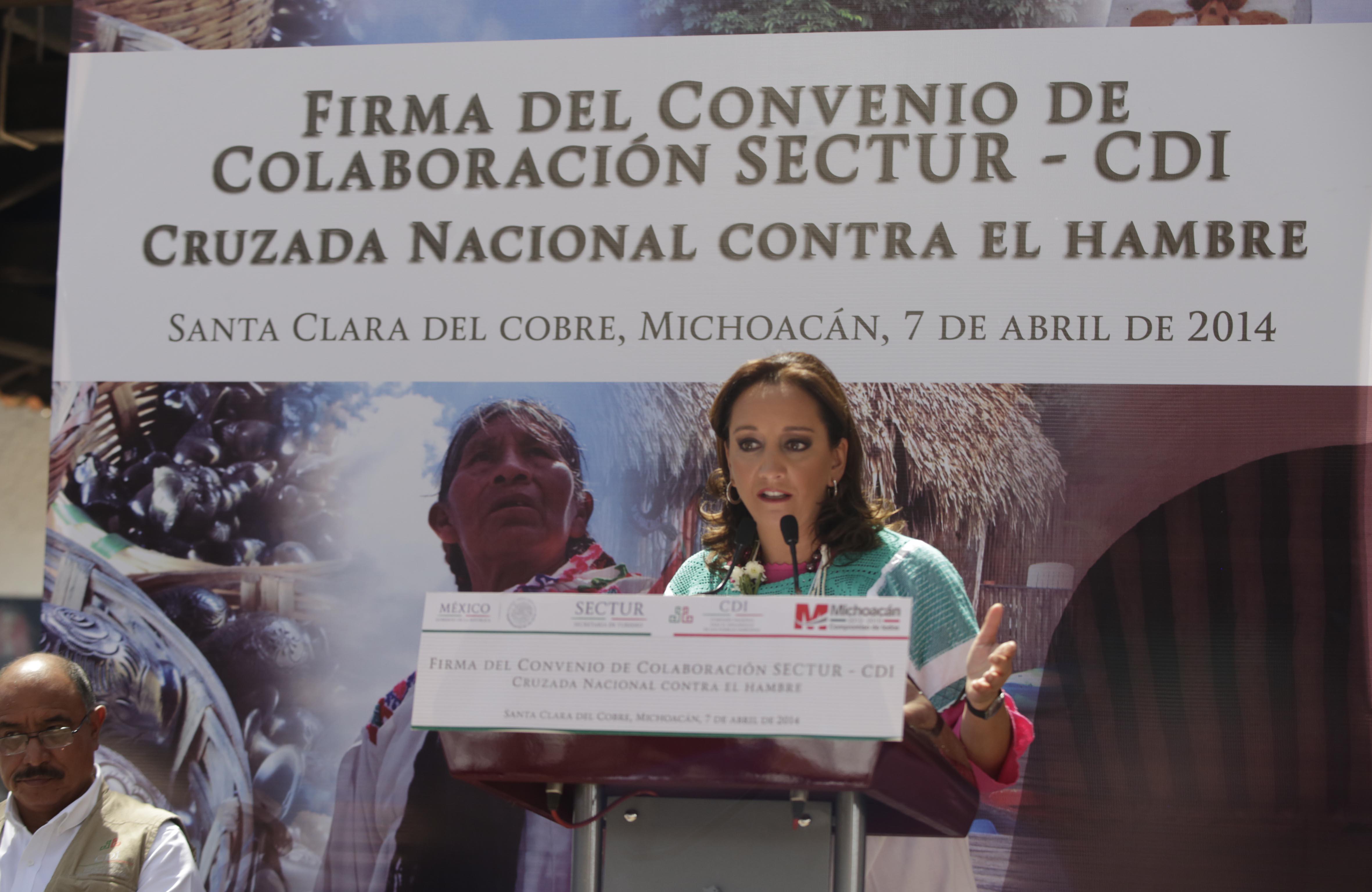 La Secretaria de Turismo, Claudia Ruiz Massieu, firmó convenio colaboración con la Directora General de la Comisión para el Desarrollo de los Pueblos Indígenas, Nuvia Mayorga Delgado, en el marco de la Cruzada Nacional contra el Hambre.