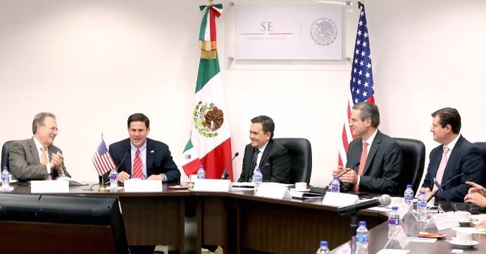 Se reúne el Secretario de Economía con el Gobernador de Arizona para fortalecer la relación entre México y Arizona