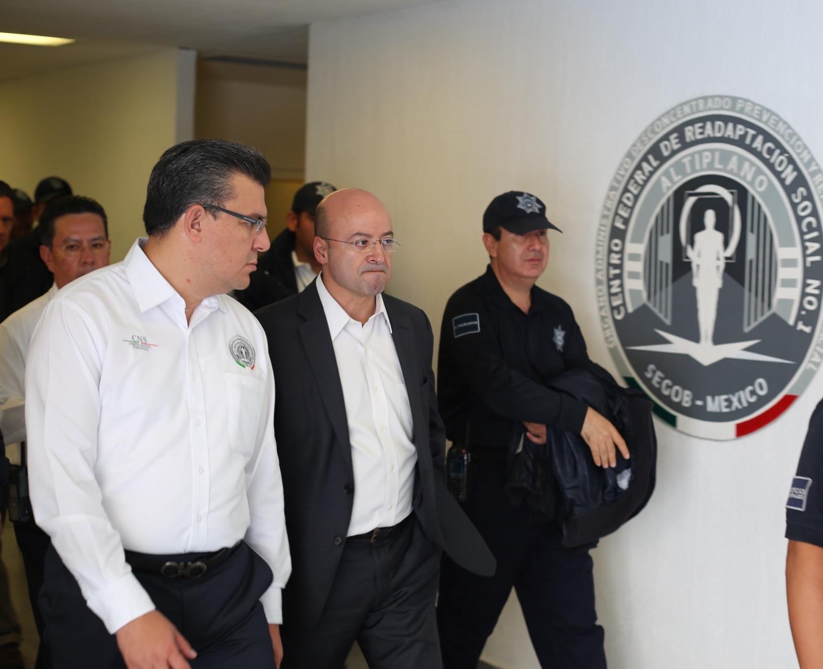 El Comisionado Nacional de Seguridad aprovechó para visitar uno a uno los módulos que componen la población penitenciaria incluyendo aquellos que resguardan a los internos de alta peligrosidad