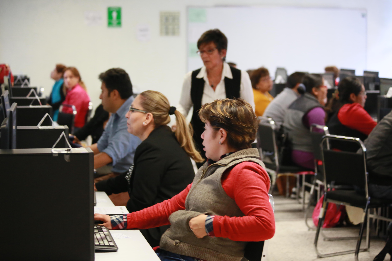 El proceso de evaluación para la promoción a cargos de dirección, supervisión y asesoría técnica pedagógica, en su primer día de realización, avanza en 30 entidades del país, en las que se aplican los exámenes en 249 sedes.