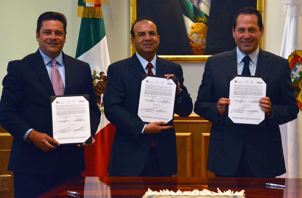 El Secretario del Trabajo, Alfonso Navarrete Prida y el Mandatario mexiquense atestiguaron, además, la firma de un Convenio de Colaboración entre el INFONACOT y el Gobierno Estado de México.