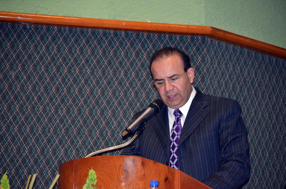 El Secretario del Trabajo y Previsión Social, Alfonso Navarrete Prida, al inaugurar la Asamblea Nacional de Representantes el Sindicato de Telefonistas de la República Mexicana.