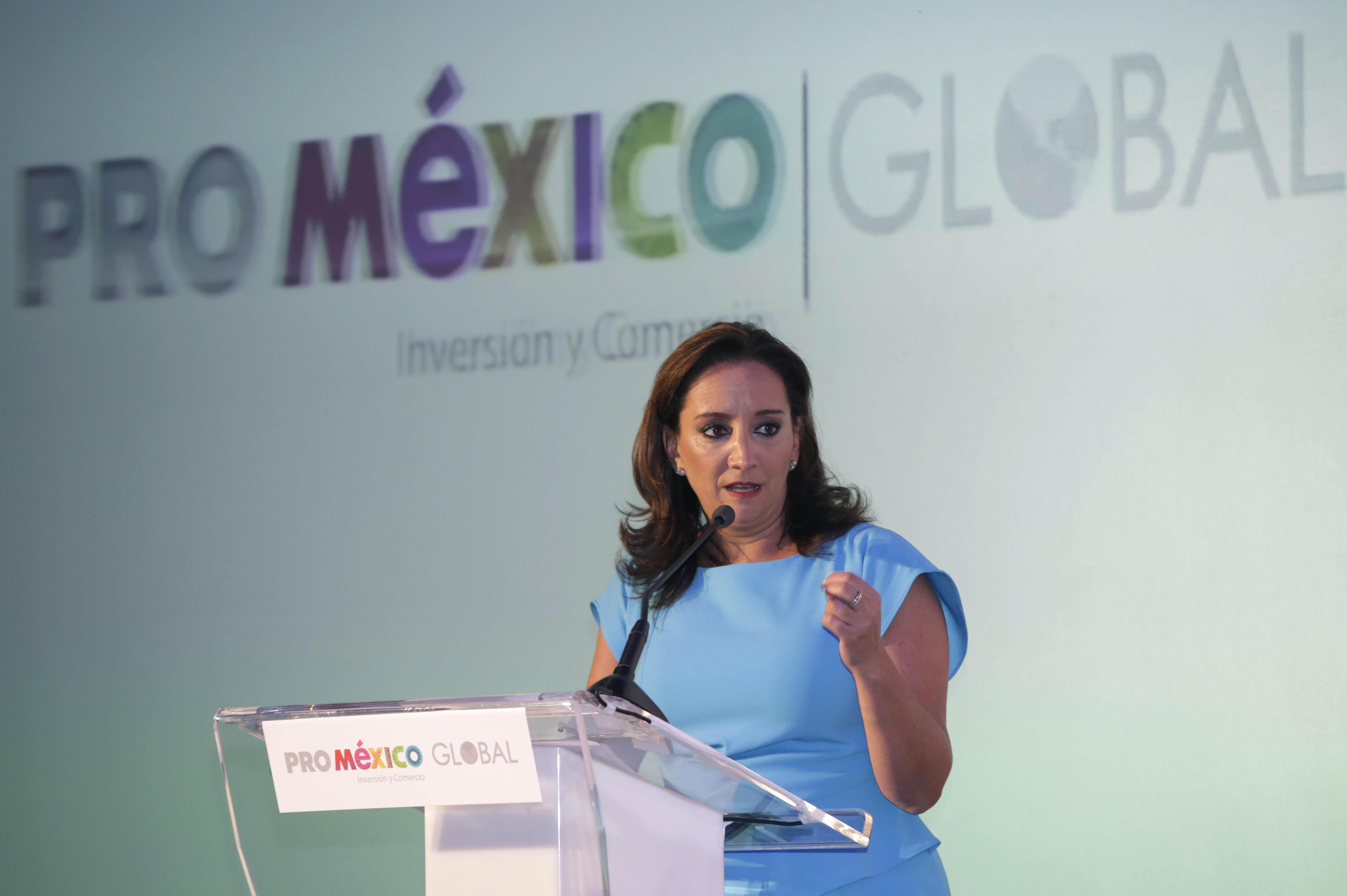 La titular de la SECTUR, Claudia Ruiz Massieu, dictó la conferencia 'El Turismo como Estrategia para la Atracción de Inversión Directa'.