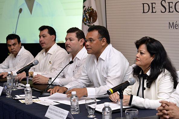 En representación del Secretario del Trabajo y Previsión Social, Alfonso Navarrete Prida, la Subsecretaria de Empleo dijo que este año será de resultados, como lo estableció el Jefe del Ejecutivo.