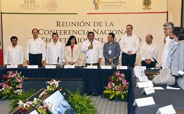 La Conferencia Nacional de Secretarios del Trabajo culminó el día de hoy su reunión anual celebrada en esta capital, en presencia de Víctor Caballero Durán, Secretario General de Gobierno de Yucatán.