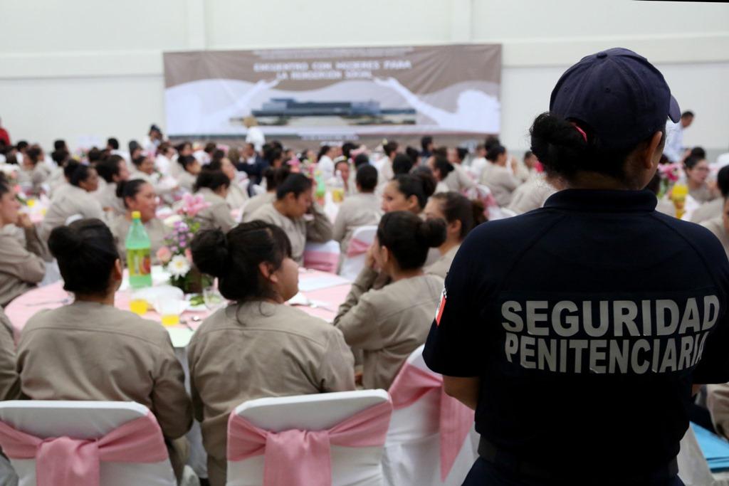 """Lic. Emanuel Castillo Ruiz, destacó que el CEFERESO No. 16 """"CPS"""" Femenil Morelos, el cual cuenta con dos mil 500 espacios, es uno de los centros que cumple con los estándares internacionales para el adecuado tratamiento de la población"""