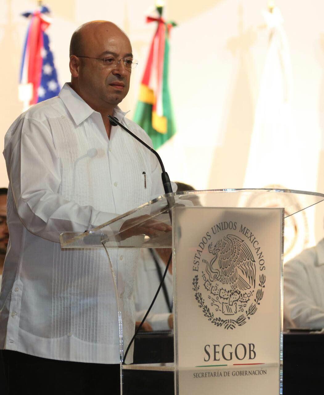 El  Comisionado Nacional de Seguridad, Lic. Renato Sales Heredia, abanderó la ceremonia de graduación del Curso de Formación Inicial Penitenciaria, en la (ANAP) del (OADPRS), ubicada en Xalapa, Veracruz.