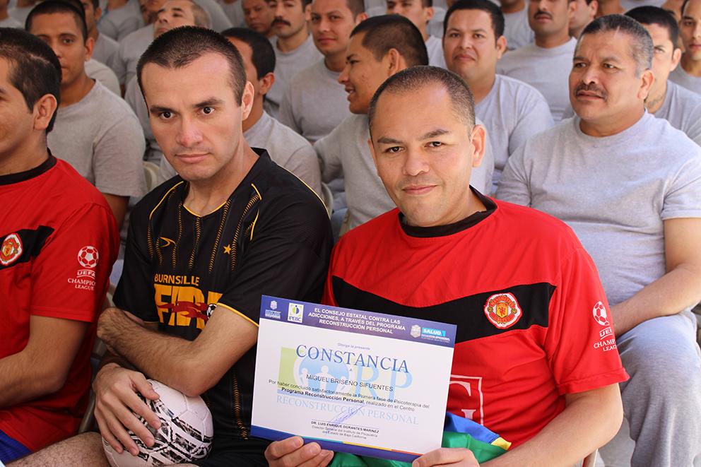 Entrega de constancias a internos del Centro de Reinserción Social de Tijuana