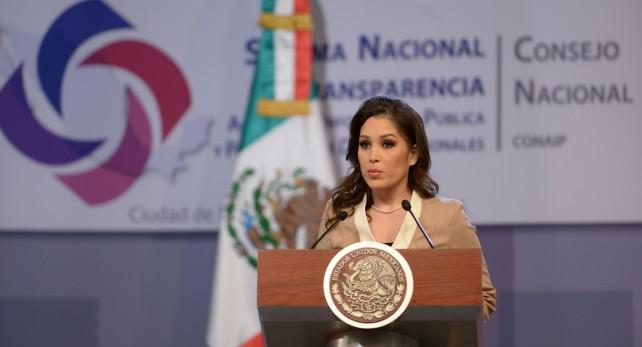 Doctora Ximena Puente de la Mora.