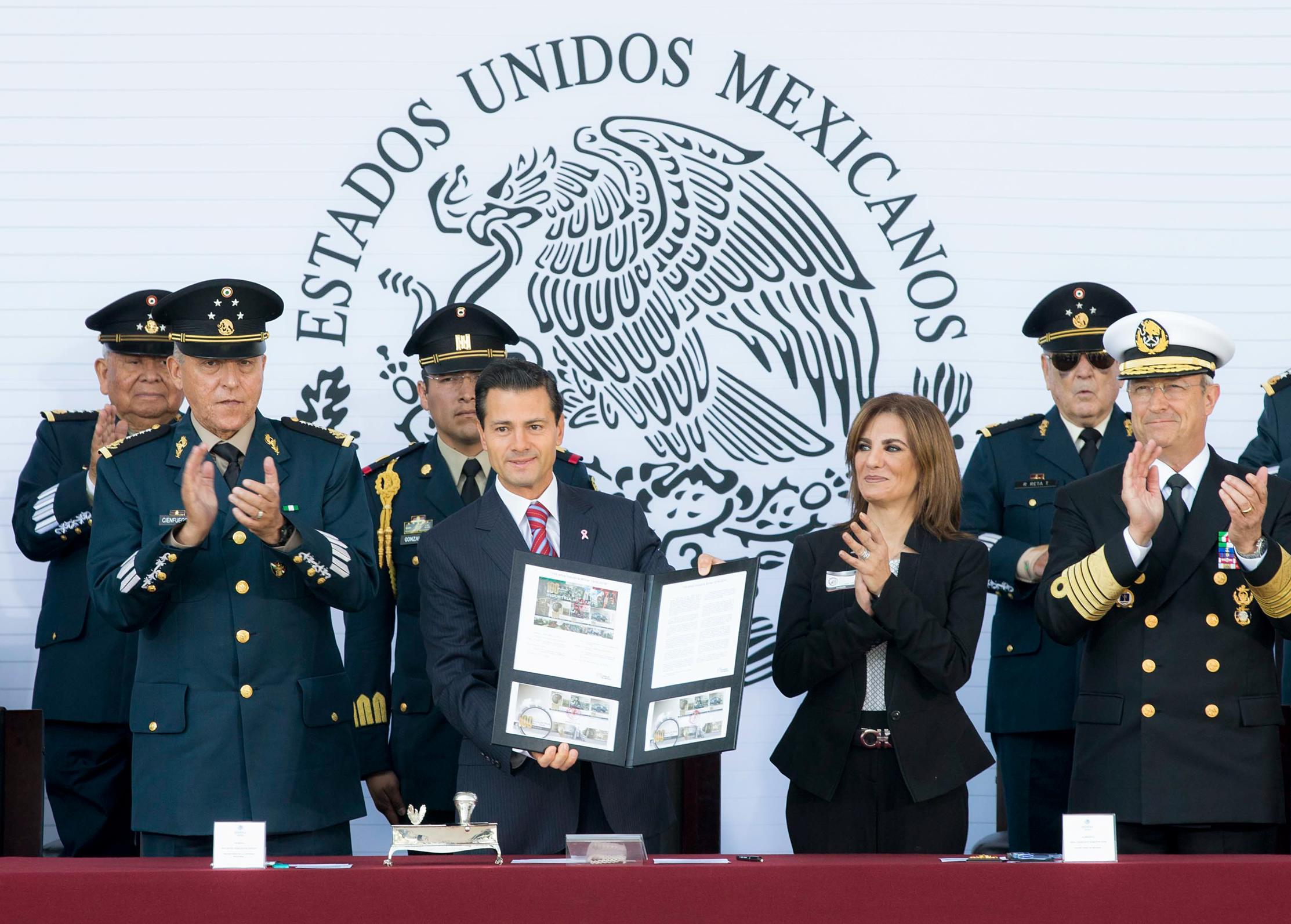 """""""El origen de nuestro Ejército es popular. Nació en 1913, encabezado por Venustiano Carranza, para restablecer el Estado de Derecho en nuestro país"""": EPN"""