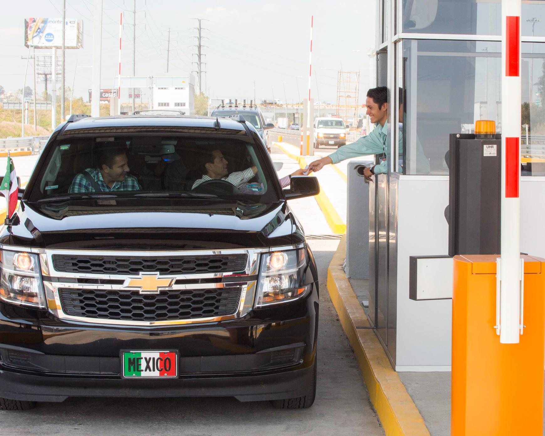 The president recalled that in the past few days, in the State of Mexico, he delivered the expansion from six to twelve lanes of the Mexico-Puebla highway.