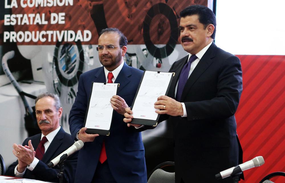 El gobernador José Francisco Olvera Ruiz y el titular de la Secretaría del Trabajo y Previsión Social, Alfonso Navarrete Prida, instalaron en Hidalgo la Comisión Estatal de Productividad.