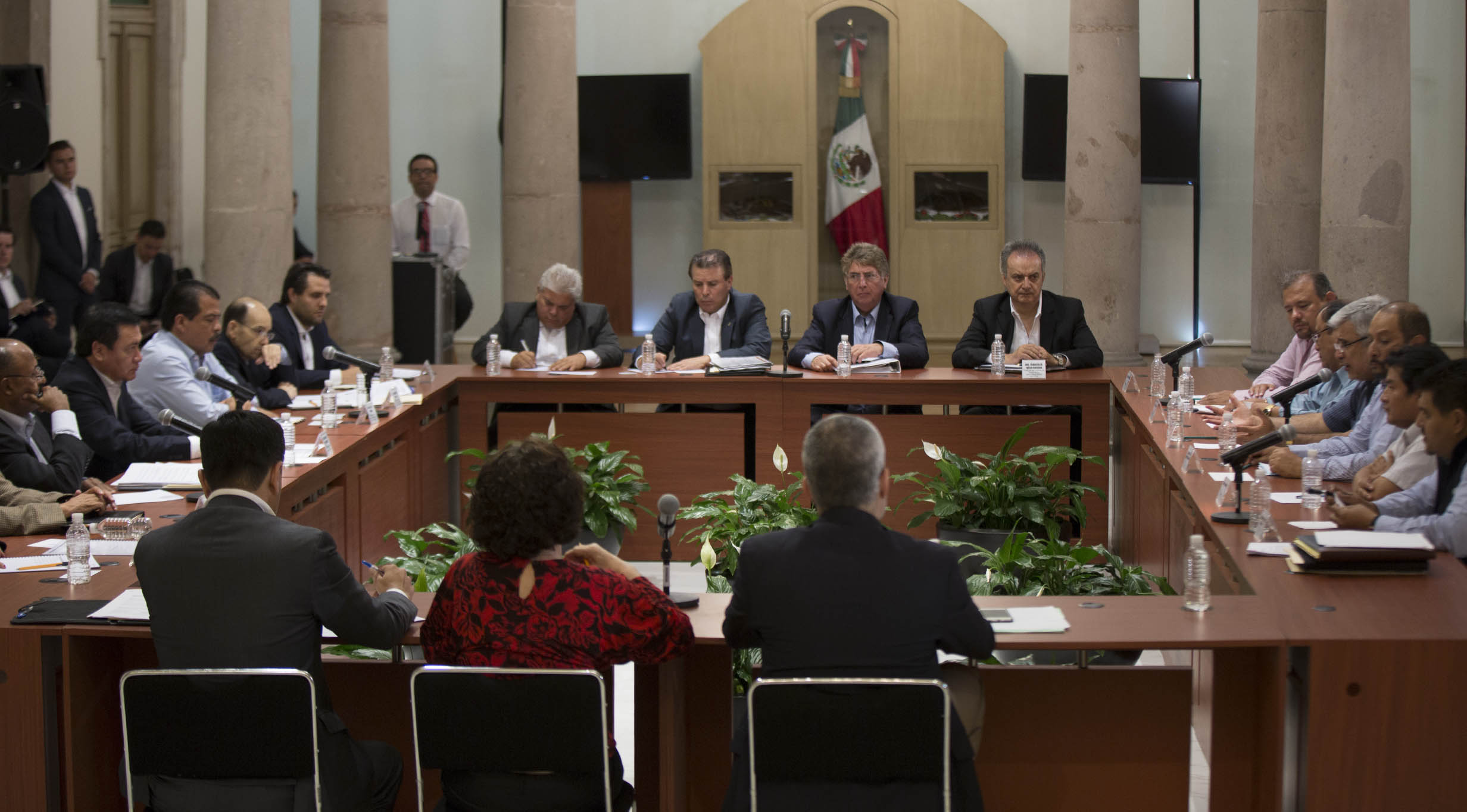 """El Secretario de Gobernación, Miguel Ángel Osorio Chong, se reunió con líderes del movimiento campesino """"El Campo es de Todos"""""""
