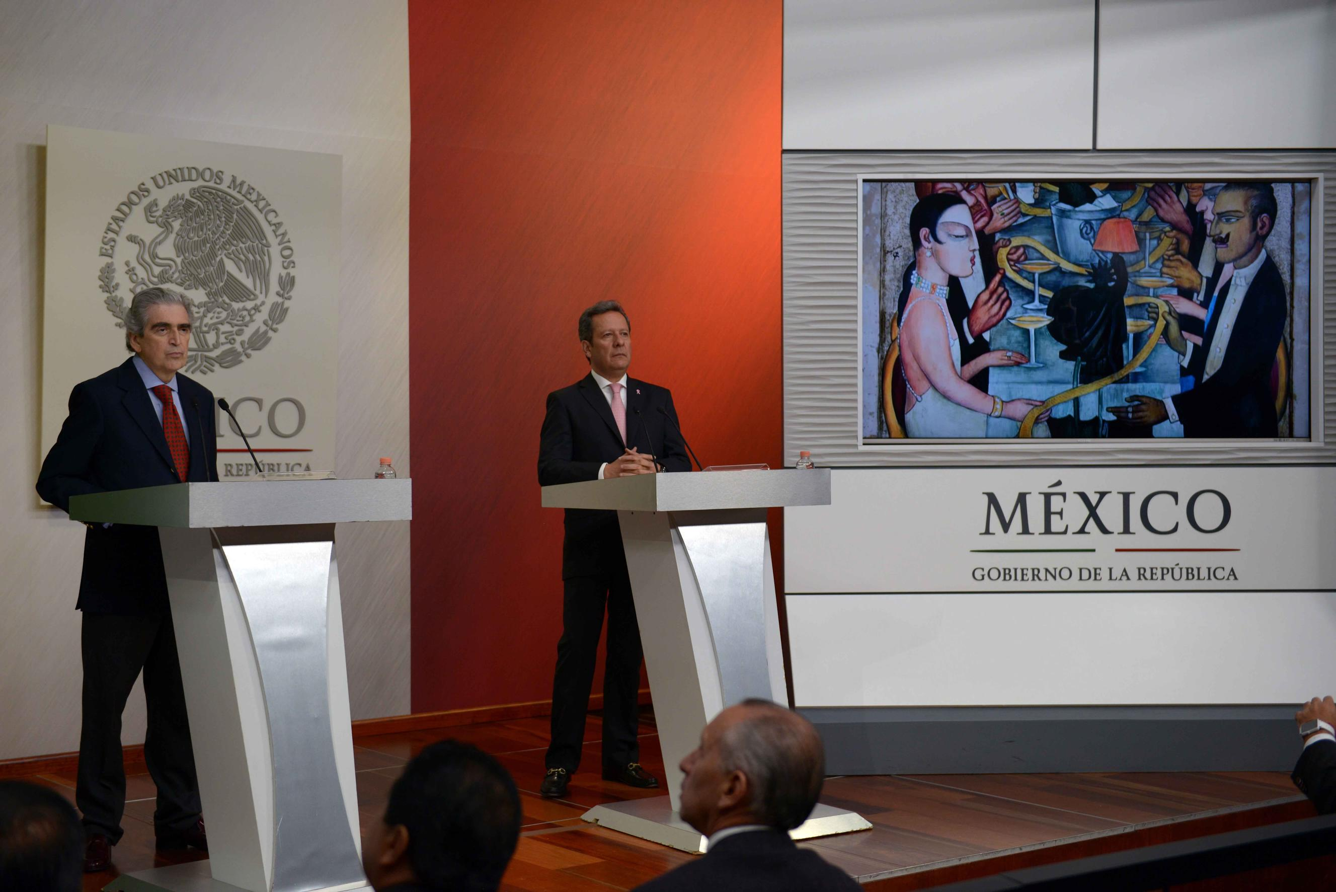 """Through the Secretariat of Culture, led by Rafael Tovar y de Teresa, significant examples of work by Mexican artists have been taken to virtually every region in the world"": ES"