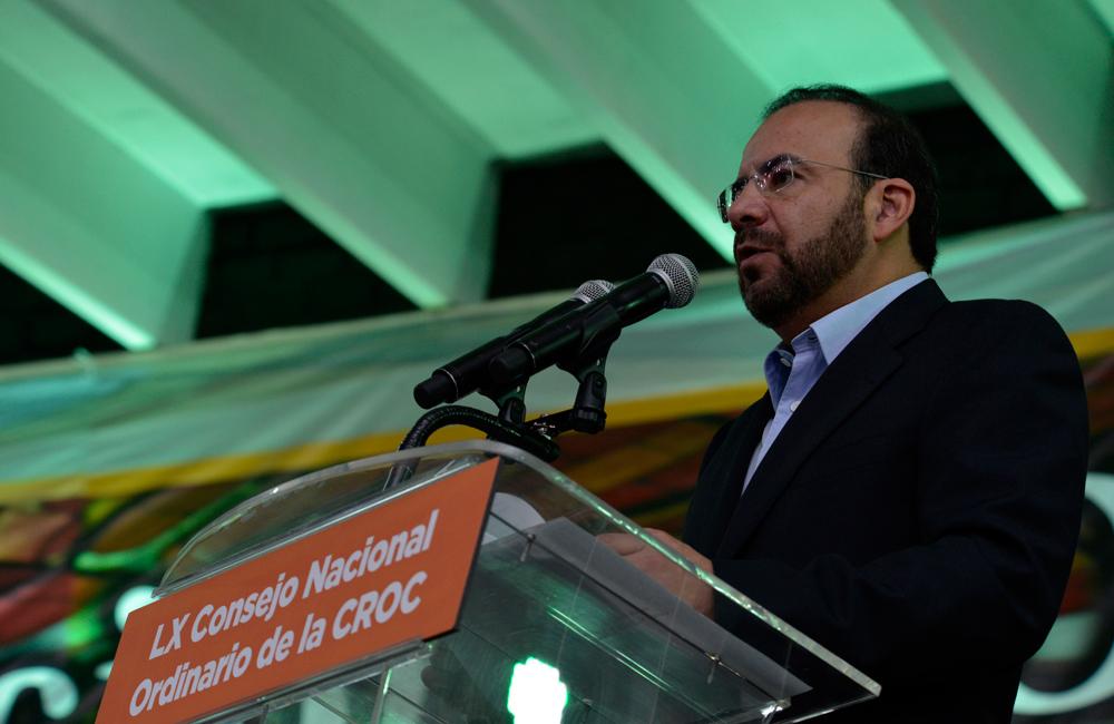 El titular de la STPS asistió con la representación Presidencial a la inauguración del LX Consejo Nacional Ordinario de la Confederación Revolucionaria de Obreros y Campesinos (CROC).