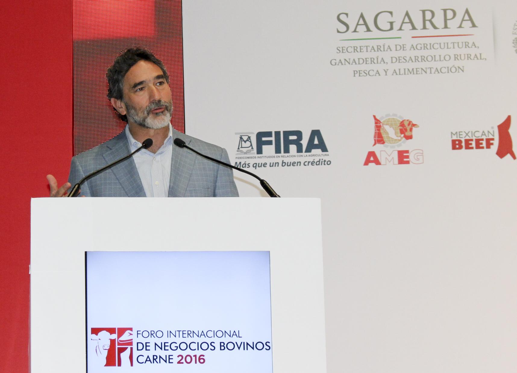 La SAGARPA refrenda compromiso para seguir impulsando el desarrollo de la ganadería del país.