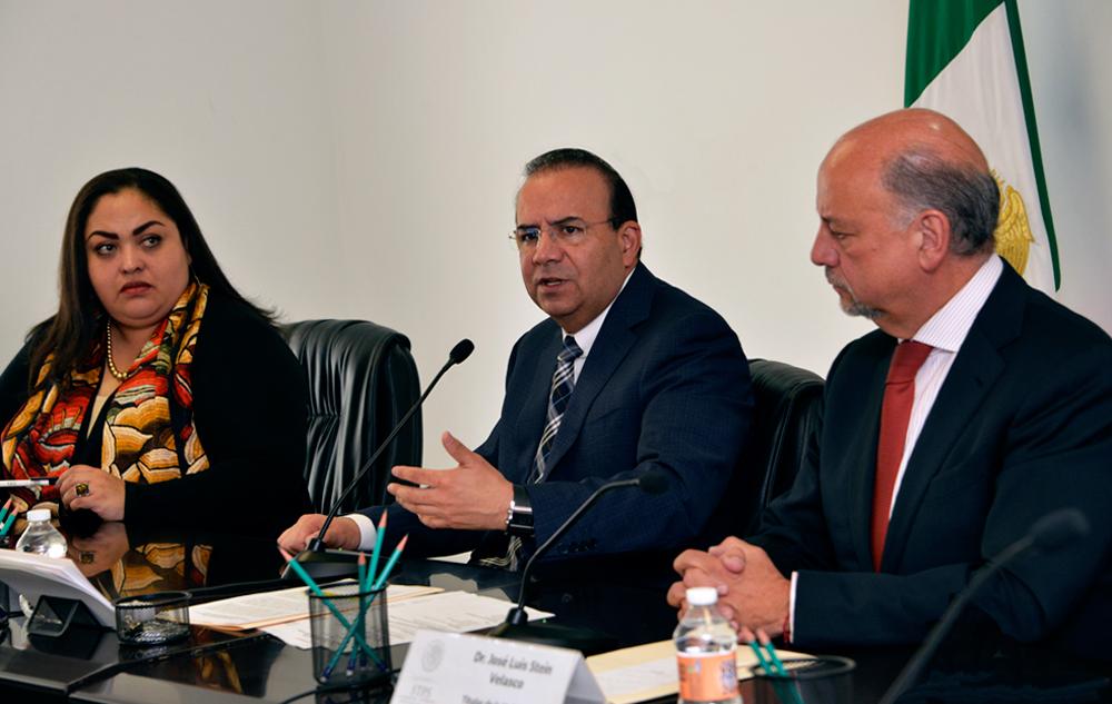 El Titular de la STPS Alfonso Navarrete hizo un reconocimiento al compromiso del Secretario Perez, con la defensa de los derechos humanos, incluidos los laborales.