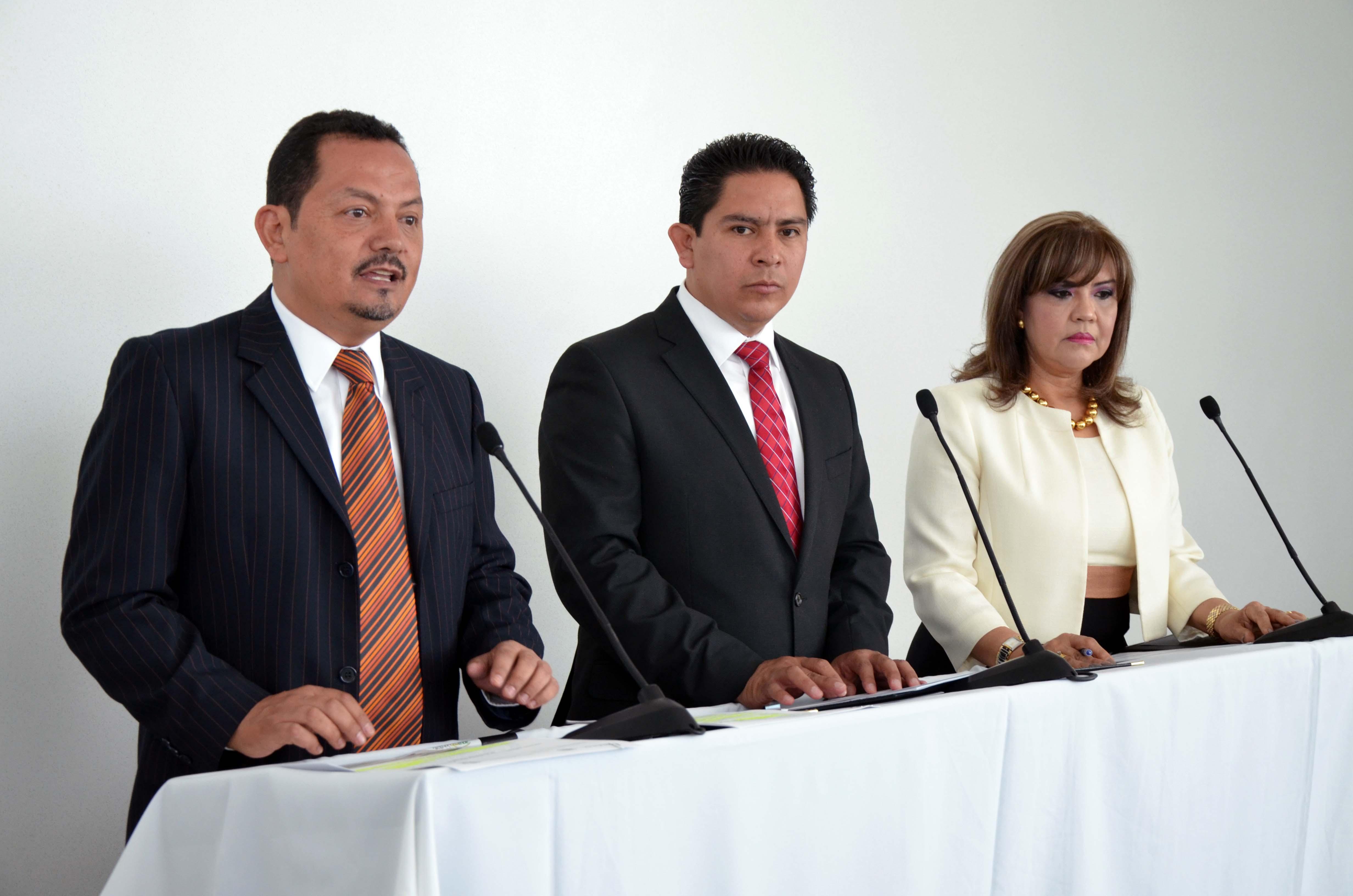 Firma convenio de colaboración con IMSS e ISSSTE