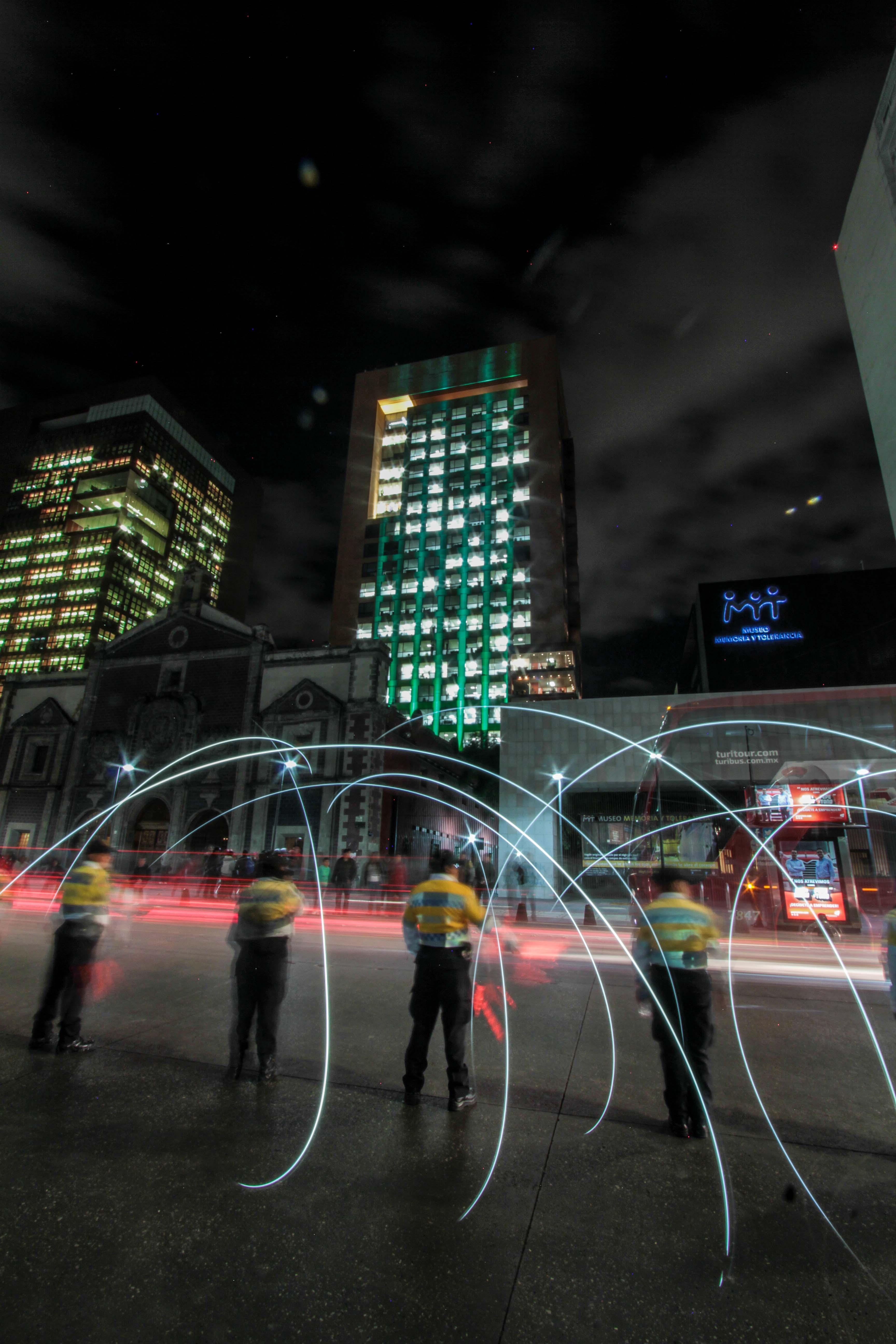 La Cancillería se ilumina de verde para celebrar la entrada en vigor del Acuerdo de París sobre cambio climático
